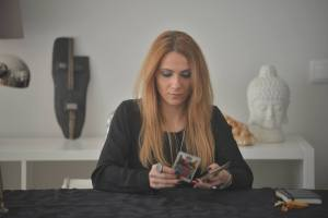 Alexandra Queiros1